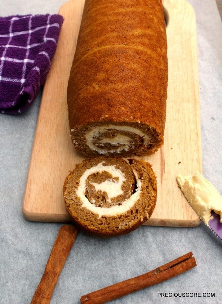 pumpkin-roll-cake