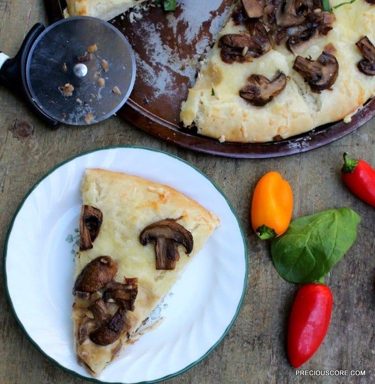 Easy mushroom pizza.