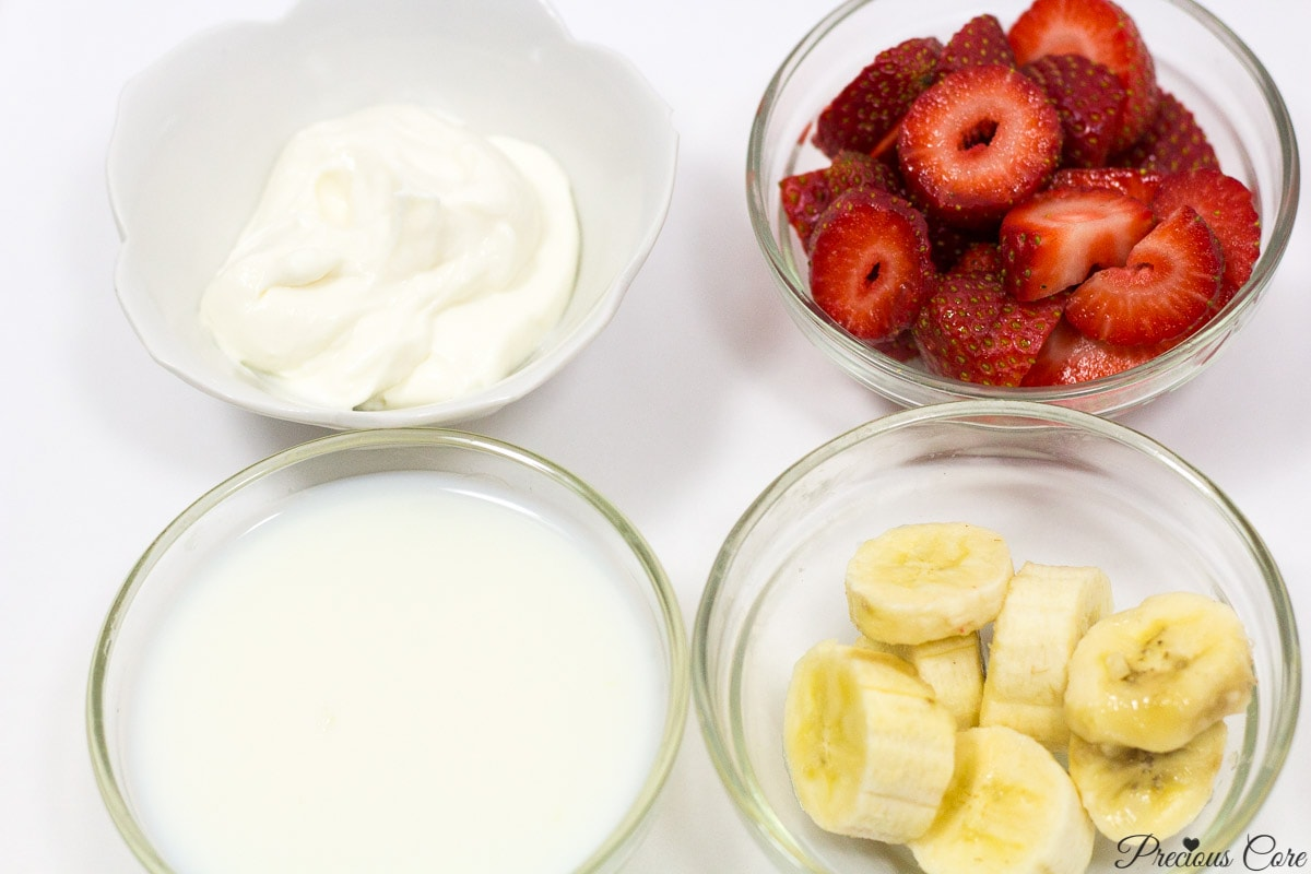 Strawberry-banana smoothie ingredients