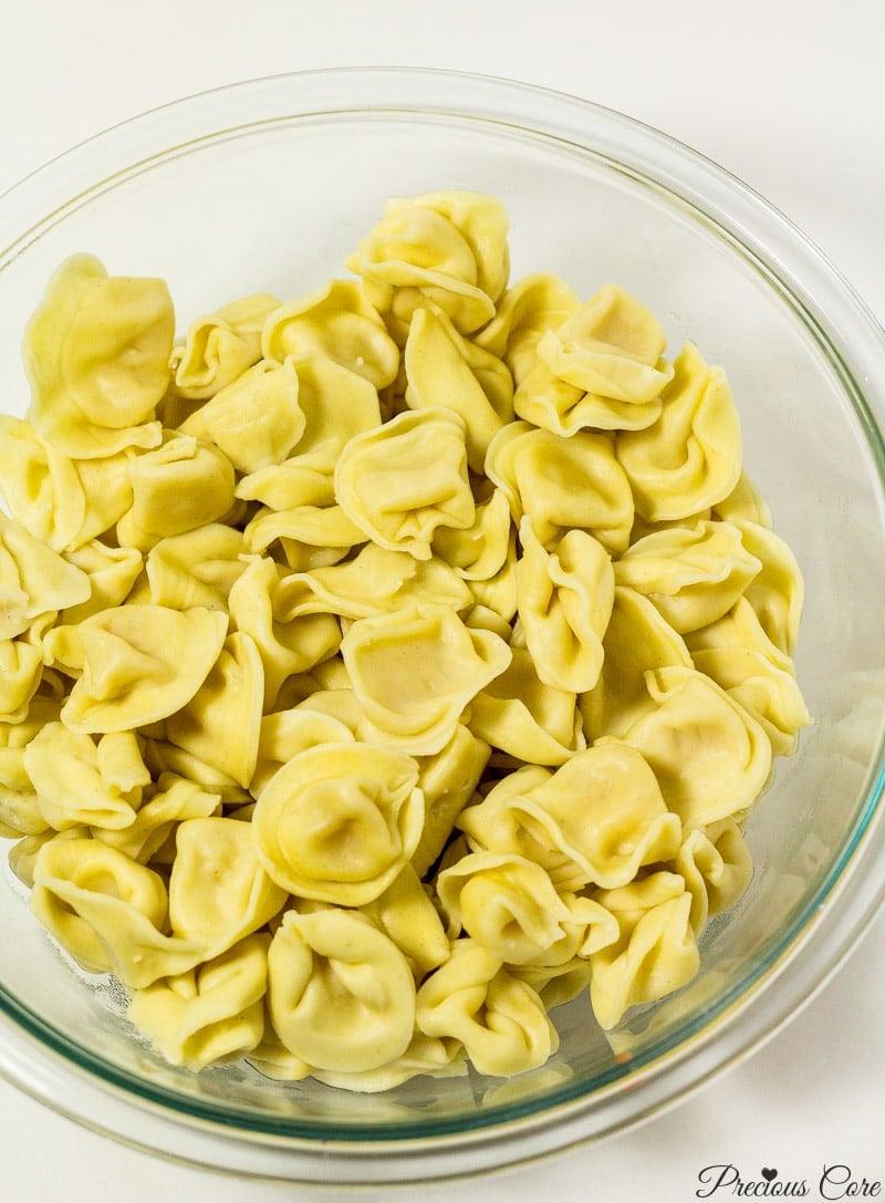 boiled tortellini pasta