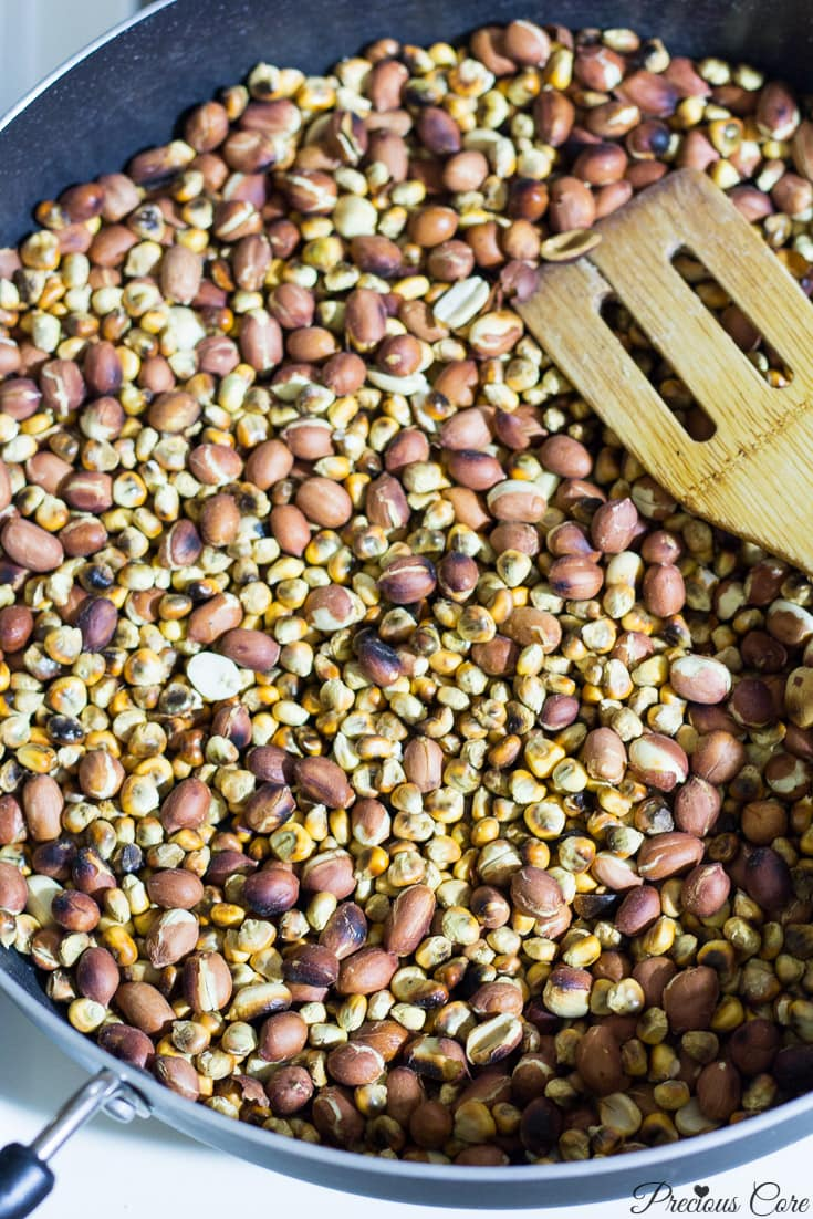 Roasted corn and groundnuts