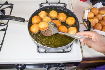 Frying Cameroonian gateau