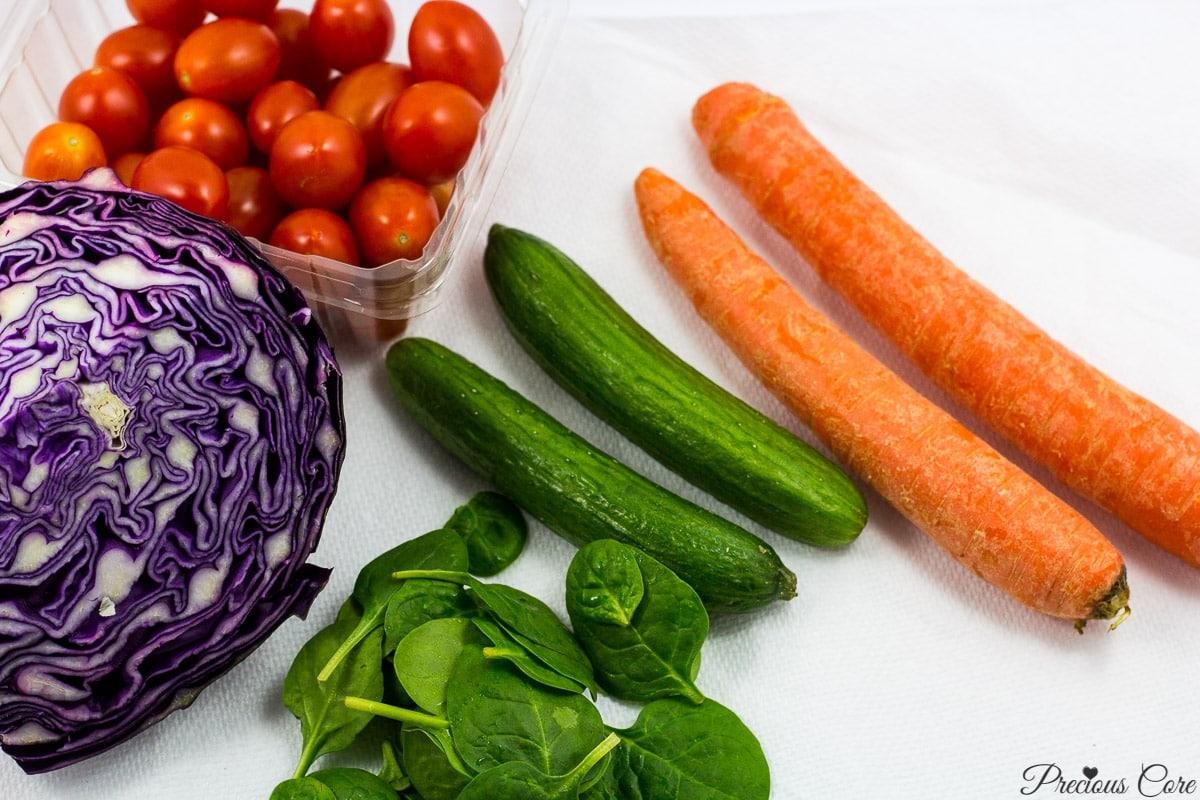 spinach cabbage salad ingredients