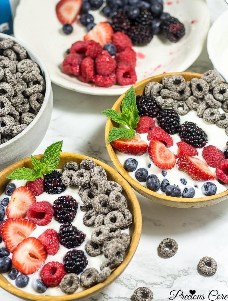 Mixed berry parfait bow;ls recipes on Precious Core.