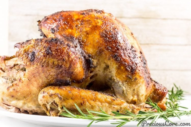 The best juicy roast turkey. Best Thanksgiving Turkey recipe!