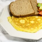 How to make an omelet with cheese. Easy cheese omelette recipe.