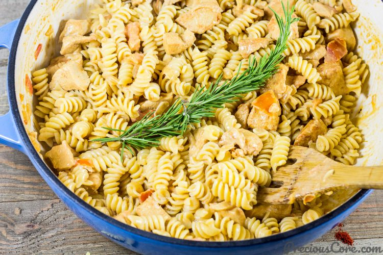 one pot creamy macaroni and chicken precious core