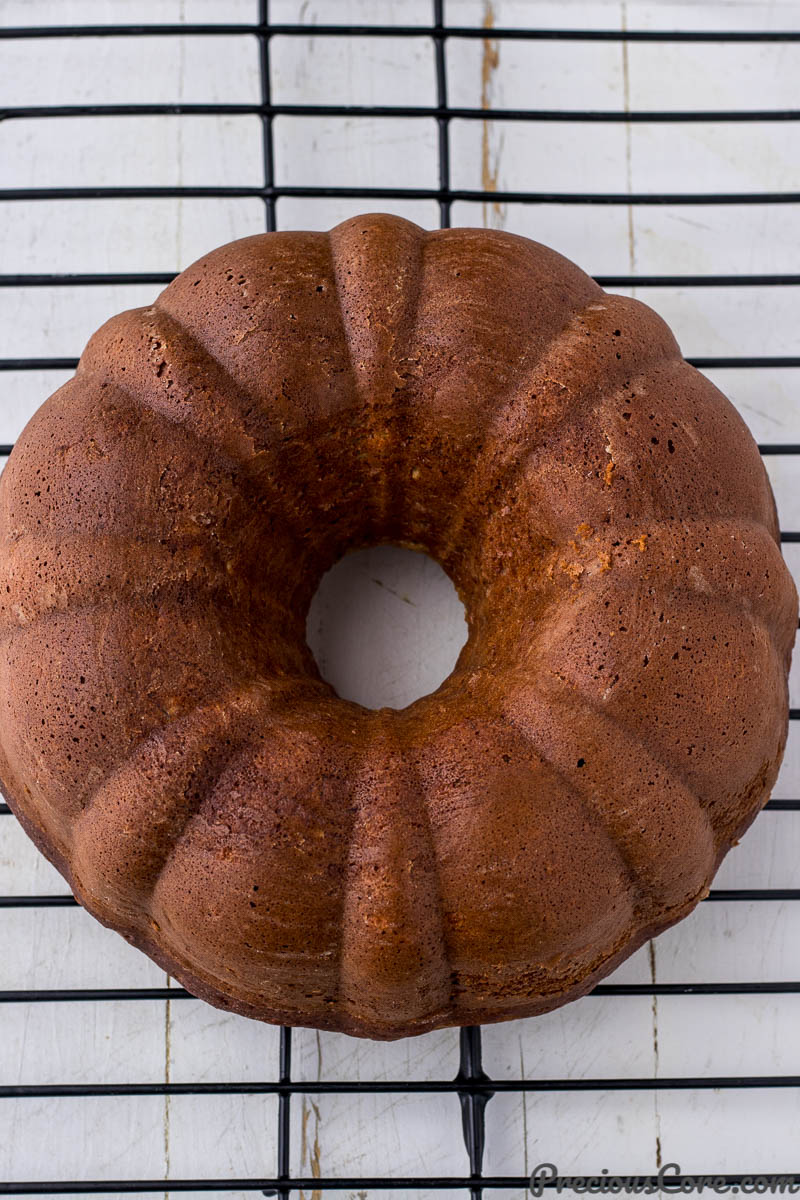 Cake in a bundt pan