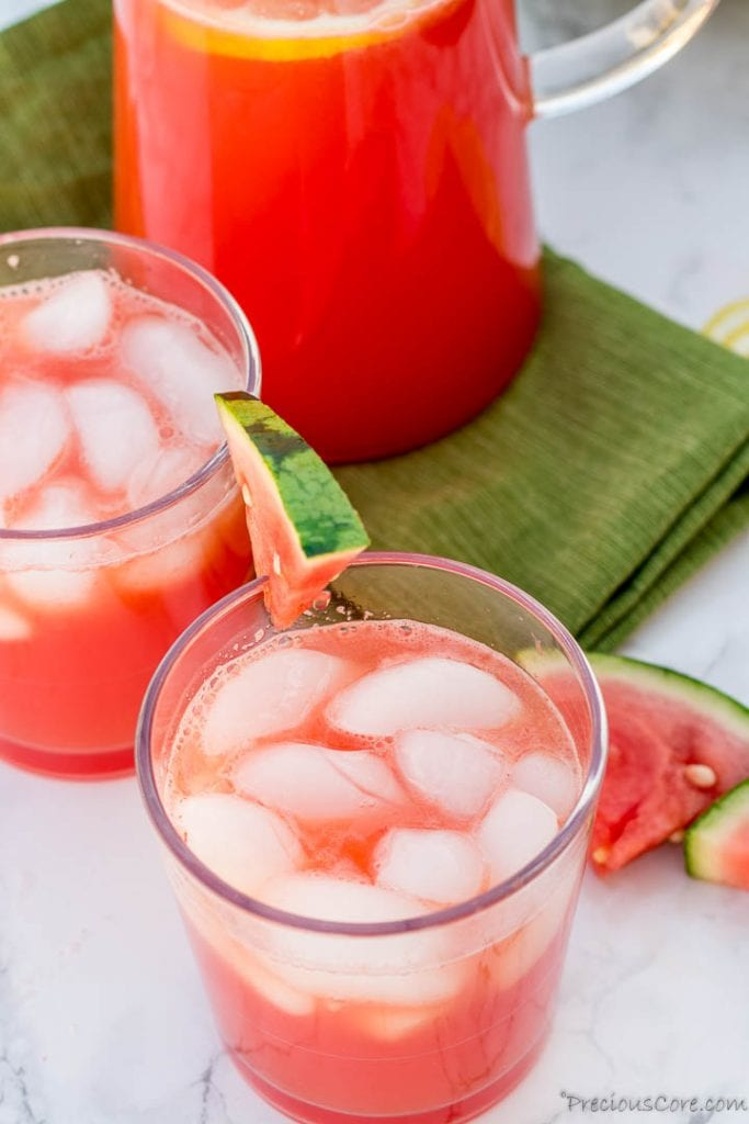 Waytermelon lemonade in cups