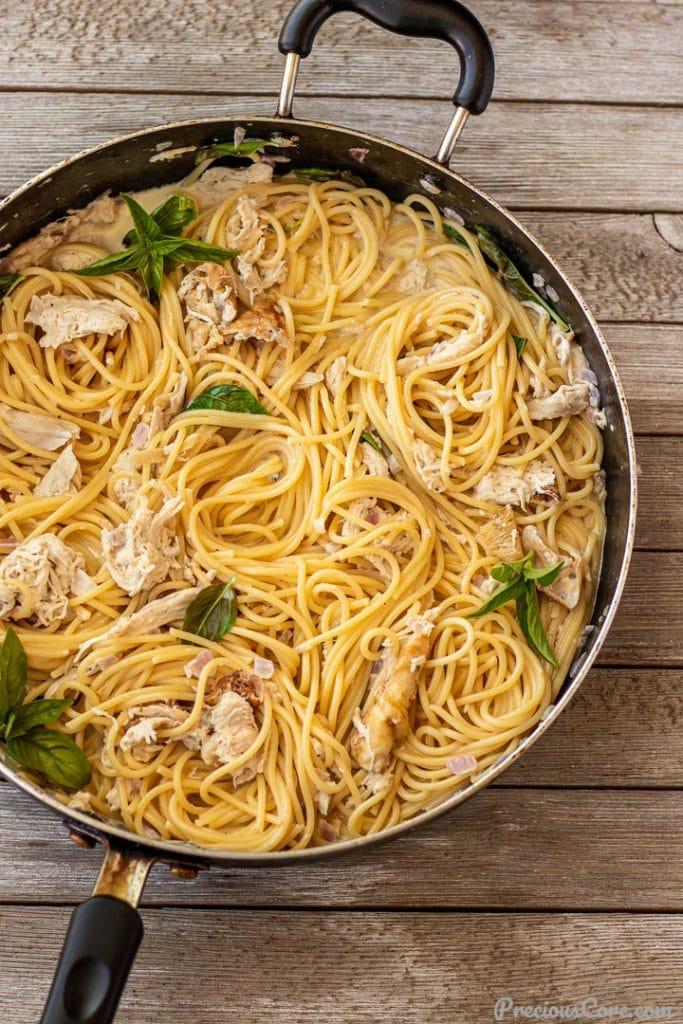 creamy spaghetti in a pan